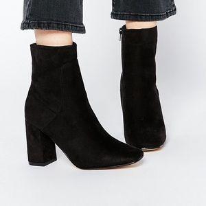 [Zara] Black Zipped Up Booties